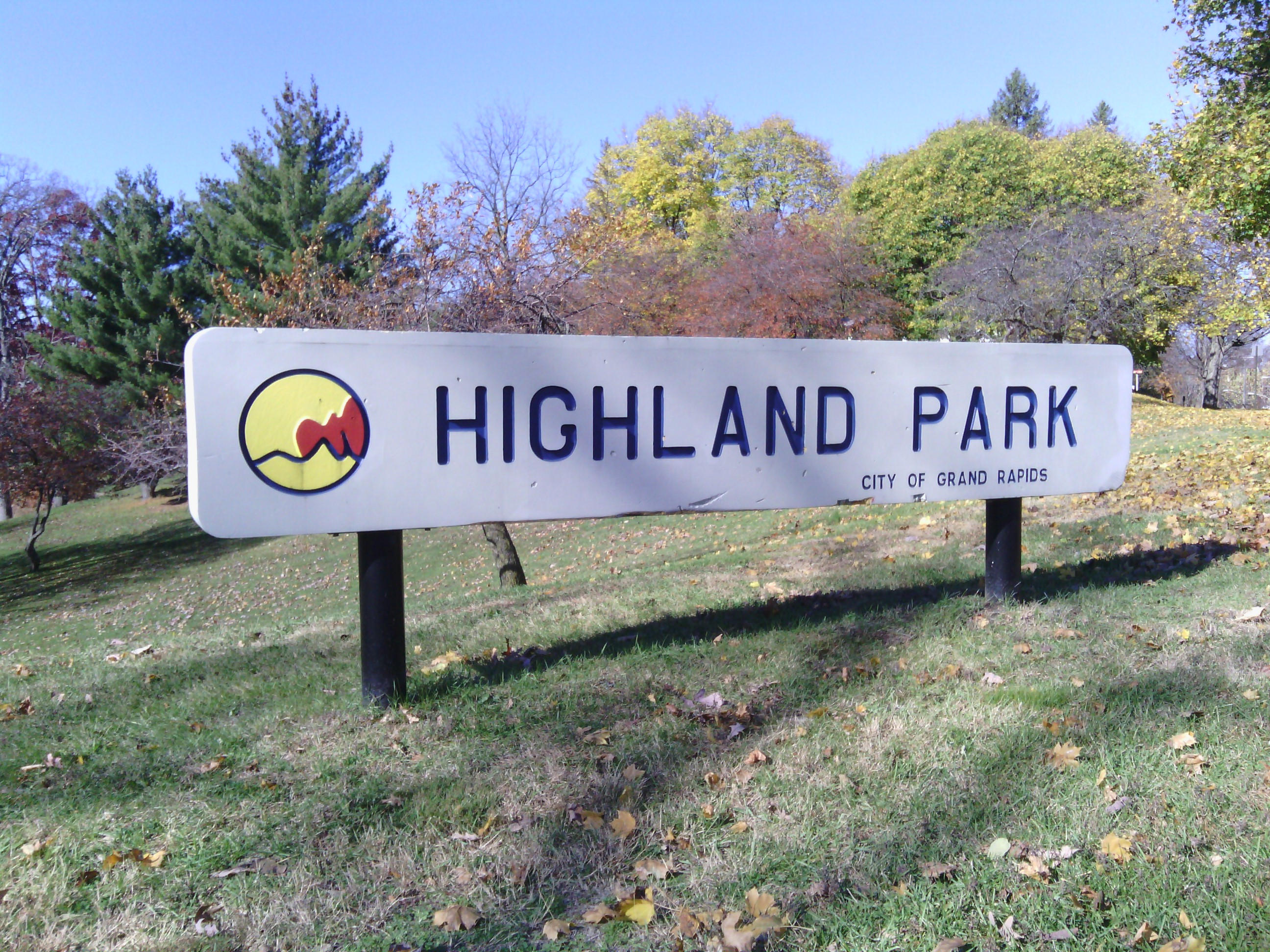 Sign at the entrance of Highland Park, Grand Rapids, MI